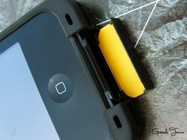 LifeProof iPhone 4 and 4S Case  (24)